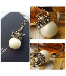 Dazzling Crown Imitate Pearl Retro Style Chain Necklace